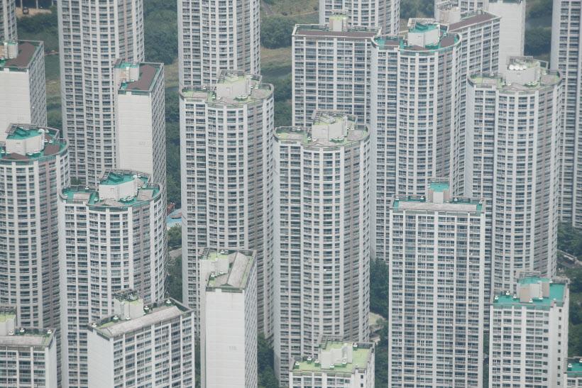 수도권 전역 규제지역 지정…주담대 주택엔 의무 입주
